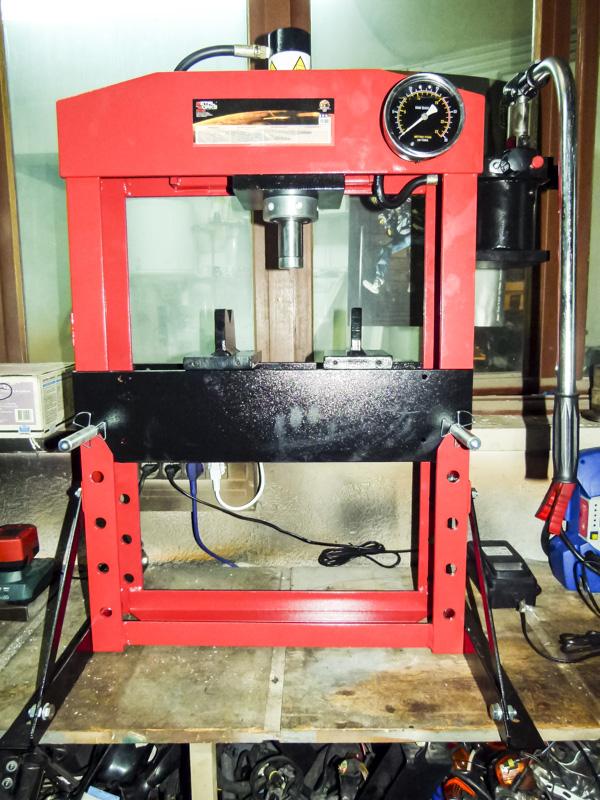 Presse Hydraulique 15T - Mécaservices92